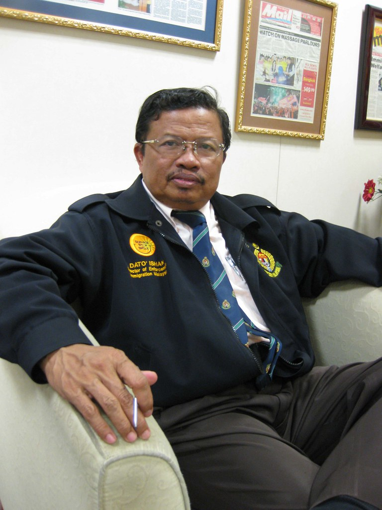 Datuk Ishak Mohamed, Malaysian Immigration Department
