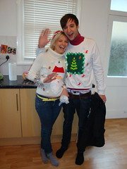Claire and Russ' DIY Christmas sweaters (Thais Delcanton) Tags: christmas party sarah 2008 espe darrensimpson florry jamieboyd russchimes clairemorris thaisdelcanton robsargeant samsammons andreasbonnell sophiehodges