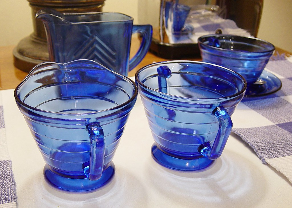 Depression Glass, Hazel Atlas, Moderntone, cobalt and crystal 024b 5x7