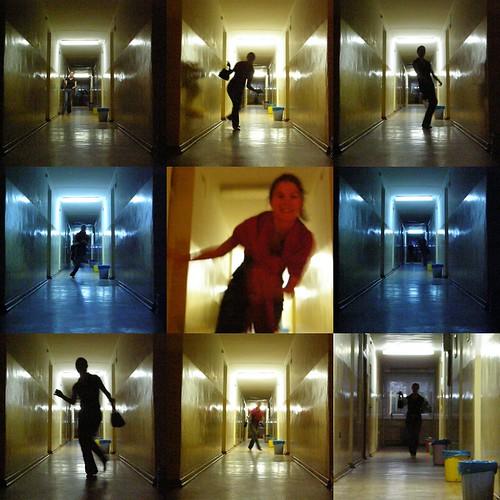 Mosaïque de Charlotte courant dans un couloir (Swinoujscie, Pologne))