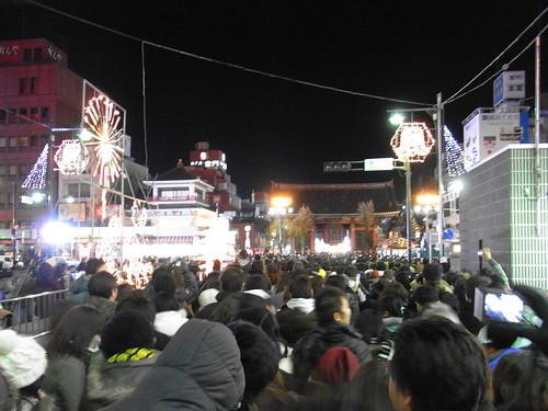 Queue at Sensoji in Asakusa as the new year begins