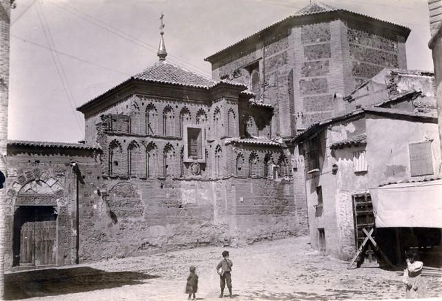 Plaza de Santa Isabel en junio de 1905. Fotógrafo anónimo. Colección Luis Alba. Ayuntamiento de Toledo