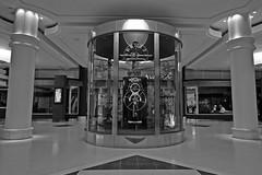 Gurney Clock (Leo Reynolds) Tags: bw clock canon eos iso400 f45 canonefs1022mmf3545usm 13mm 002sec 40d 1ev hpexif leol30random groupbw xratio32x groupsepiabw xleol30x
