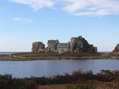 Pors Hir Maison entre rocher