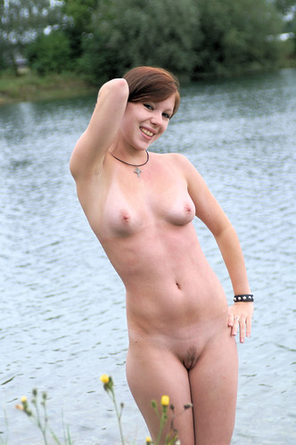 naked girl public nudity gallery pics: nudist