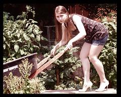 garden creeper (Theresa (Bloch05)) Tags: summer portrait selfportrait fashion garden nikon nikond50 cs3 selfer whiteheels