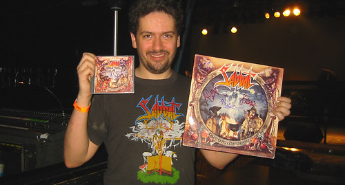 20080419 - Sabbat concert at Jaxx - 154-5494 - Clint & his autographed albums