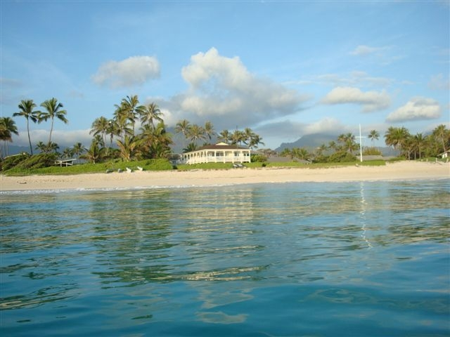 kailua beachfront plantation home