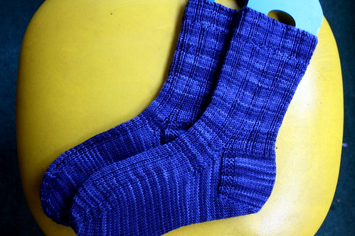 Yarrow Ribbed Socks in STR 'In the Navy'