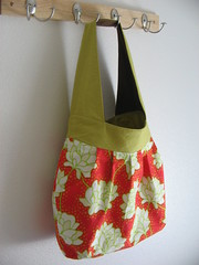 Birdie Sling in Red Peony (five to six) Tags: handmade sewing amybutler birdiesling
