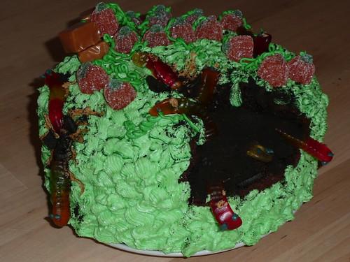 wormy pumpkin patch cake