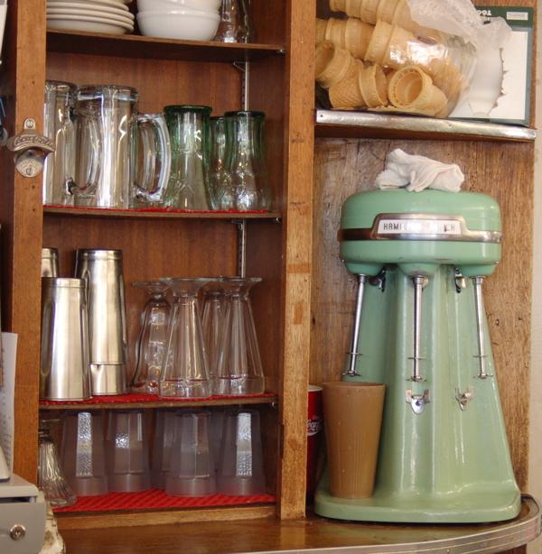 lv_fairleys_milkshake_machine_glasses