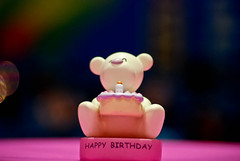 MooNy :** ! (v3vo-- away.) Tags: birthday bear pink 2 love ma happy nikon sister best u ever sweety yaa moony d80 nikond80 ceke msvevo