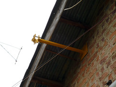 Standoff for central access point mast