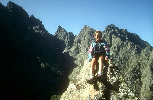 Sommet du Monte Saltare : Laurent devant le col des Maures et le Capu Tafunatu