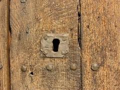 Pany a l'Estany (PCB75) Tags: barcelona door puerta lock catalonia porta porte catalunya fusta serrure pant cerradura bages ferro ainhoa catalogne lestany ainhoap