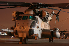 Sikorsky CH-53 Super Stallion (Kris Klop) Tags: light usa night lights fly us flying airport aircraft aviation flight super des helicopter marines dsm heli stallion moines helo desmoines sikorsky ch53 superstallion kdsm