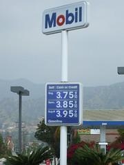 DSCF4017 (BikerScooby) Tags: california glendale mobil gas gasstation petrol gasoline gasprices gasbuddy