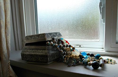 Renovation: Jewelry box at the bathroom window Crown Hill Seattle Washington USA