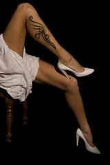 Cignus (IL_Razza) Tags: white black feet tattoo foot high model shoes legs bodylanguage tribal barbara heels tatoo bianco nero piedi scarpe tatuaggio gambe cigno modella tacchi tribale