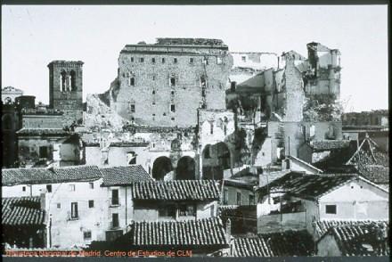 Alcázar e Iglesia de la Magdalena en la Guerra Civil. Toledo.