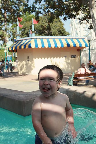 Nathan in the fountain
