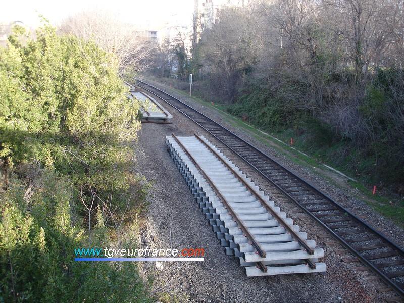 Rails neufs à proximité de la gare d'Aix-en-Provence Centre