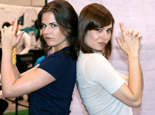 Mostly Charlie's Angels (Veronica Belmont & Lisa Bettany)