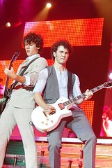 :D (Mature Jonas Pictures ( http://www.flickr.com/phot) Tags: sexy up paul kevin tour brothers nick nicholas burning mature jonas hott the