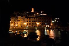 Vernazza... Una Notte di Piena Estate (m.a.s.s.y.) Tags: night mare liguria cinqueterre vernazza notte laspezia 5terre agosto2008