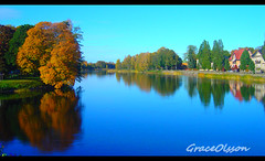 Autumn in Karlstad - Sverige (Grace Olsson Fotograf(Im abroad)) Tags: travel autumn trees lake reflection nature landscape mirror sweden karlstad sverige leves reflexions aplusphoto ultimateshot ysplix goldstaraward