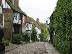 Mermaid Street hill, Rye, England (JarvisEye) Tags: england home beautiful scenery pretty hill historic rye cobble cobblestone mermaid