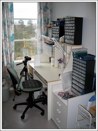 My desk! O_O
