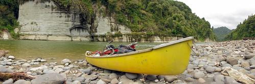 Canoeing down the Whanganui River, Whanganui National Park, New Zealand