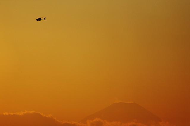 夕空ヘリコプター