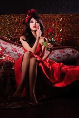 [フリー画像] 人物, 女性, アジア女性, 薔薇・バラ, ドレス, 人と花, 201106302100