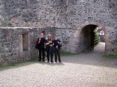 (happycat) Tags: bridge castle wall germany gate hessen gaby pavement cobblestone banister tor fabian brcke halftimbered burg mauer fachwerk happycat lothar gelnder bogengang pflasterstein nordhessen schwalmederkreis hohenburg hombergefze easyrider1969