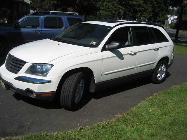 2005 windows white car station leather wagon for power sale seats vehicle chrysler suv pacifica sunroof heated warranty