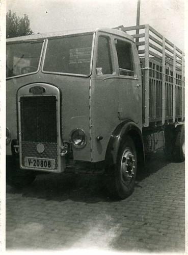 camió Maudslay de TRANSPORTS HOMS de Barcelona