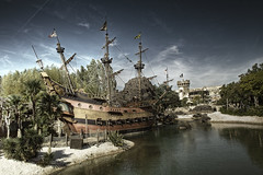 Pirate Bay (Marcel Diebold) Tags: park paris marcel disneyland pirates resort theme caribbean themepark diebold piratebay