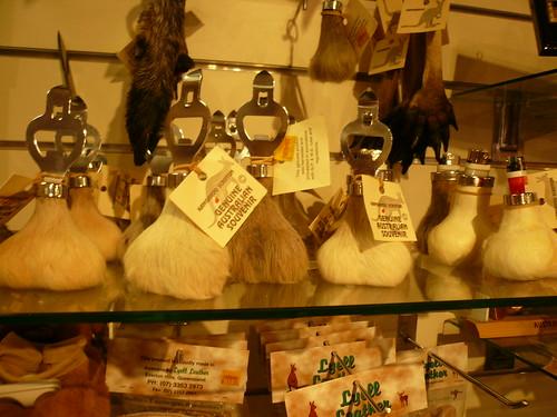 blog voyage australie sydney whv backpacker travel couille kangourou ouvre bouteille souvenir