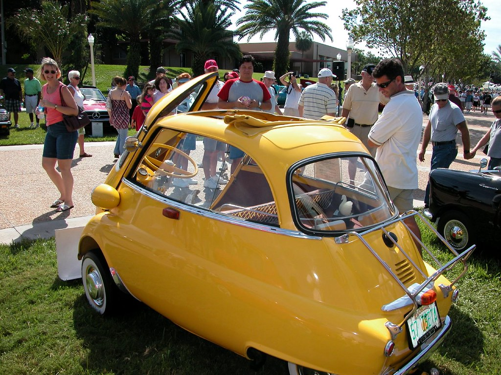1957 BMW ISETTA 250 MICRO CAR, REAR