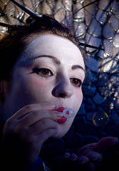 Geisha Magic (Rodd Cameron) Tags: bubbles geisha