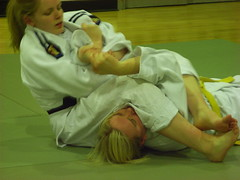 RIMG1145 - Female Judoka Ground Fighting (Martin Robertson) Tags: judo club training fight edinburgh university edinburghuniversity throw judoka judoclub