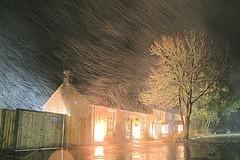 Pub in October Snowstorm, Reading UK (paulinuk99999 (I'm back!!)) Tags: reading pub snowstorm explore berkshire distillery 1600iso mapledurham a700 packhorseinn variosonnar16803545za paulinuk99999