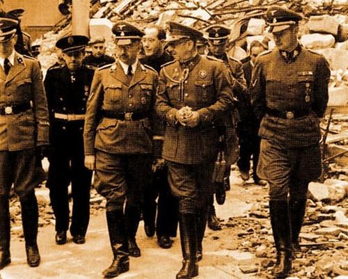 Heinrich Himmler en el Alcázar de Toledo junto a Moscardó, Serrano Súñer y Karl Wolff. 21 de octubre de 1940