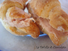 Cornettini delle Simili con patè di prosciutto crudo