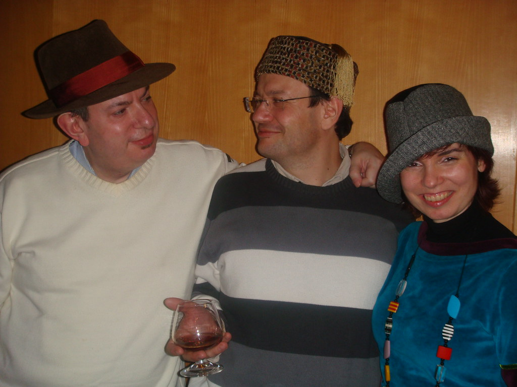 Joaco, Jose and Helena with their new hats.