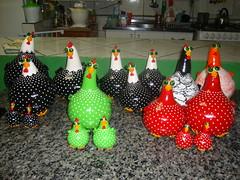 cocs 064 (bbelartes2010) Tags: de galinha artesanato dia na das decorao cozinha presentes galinhas coloridas mes pintinhos cabaa porongo criativos