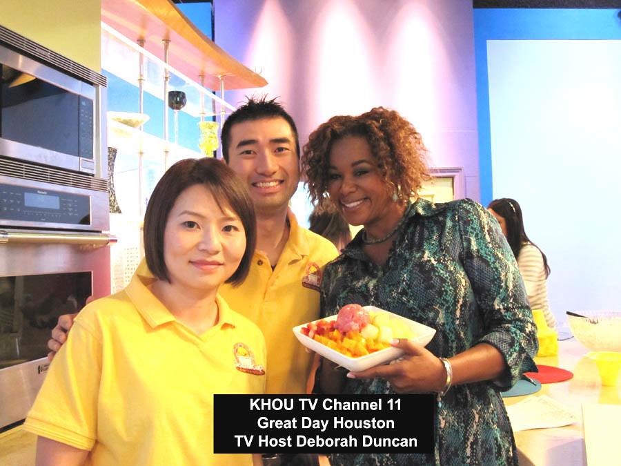 Gelato Cup - TV Channel 11 - KHOU  Great Day Houston TV Host Deborah Duncan